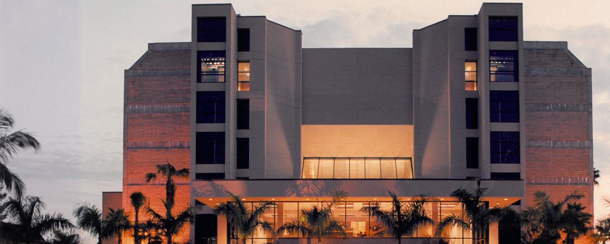 Barbara B. Mann Facade Edison State College – Ft.-Myers